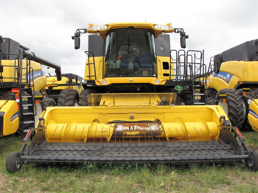 Click to view full image [2012 NEW HOLLAND CR8090]