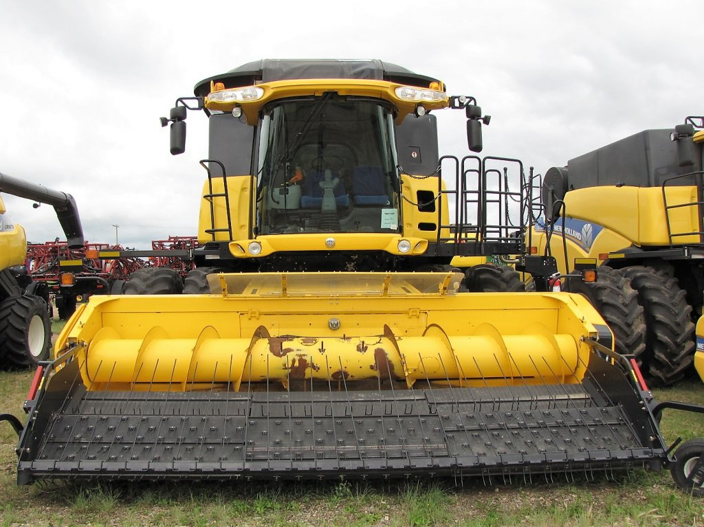 NEW HOLLAND CR8090  YDG116381
