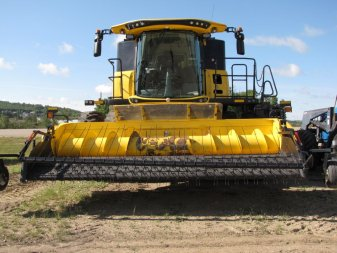 2015 NEW HOLLAND CR9.90